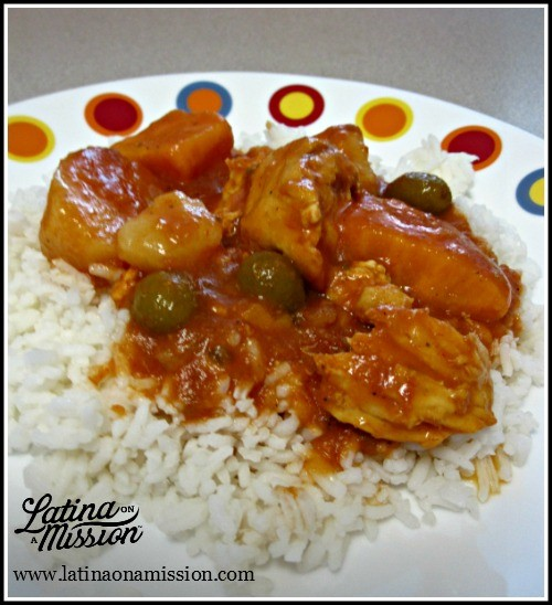 Pollo Guisado with white rice | Latina On a Mission
