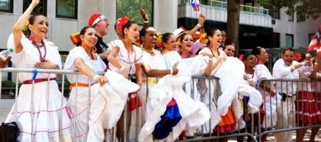 Jibaritas | La Juventud en la paranda / Youth at the Parade | LatinaOnaMission.com