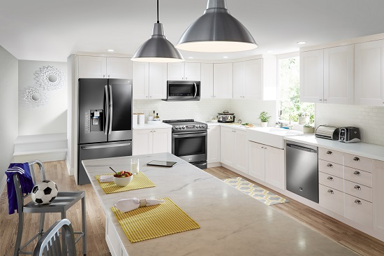 LG-Stainless-steel-classic-kitchen_latinaonamission.com(2)